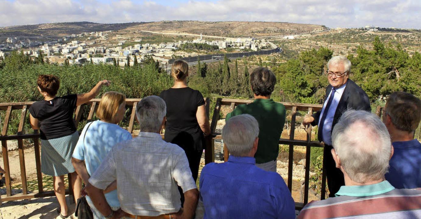 Blick von  Thalita Kumi  Richtung Beth...lischer und palästinensischer Gebiete.  | Foto: Lara