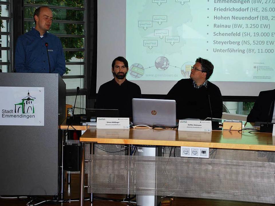 Alexander Maier referiert über das Projekt der Stadt  | Foto: Sylvia-Karina Jahn