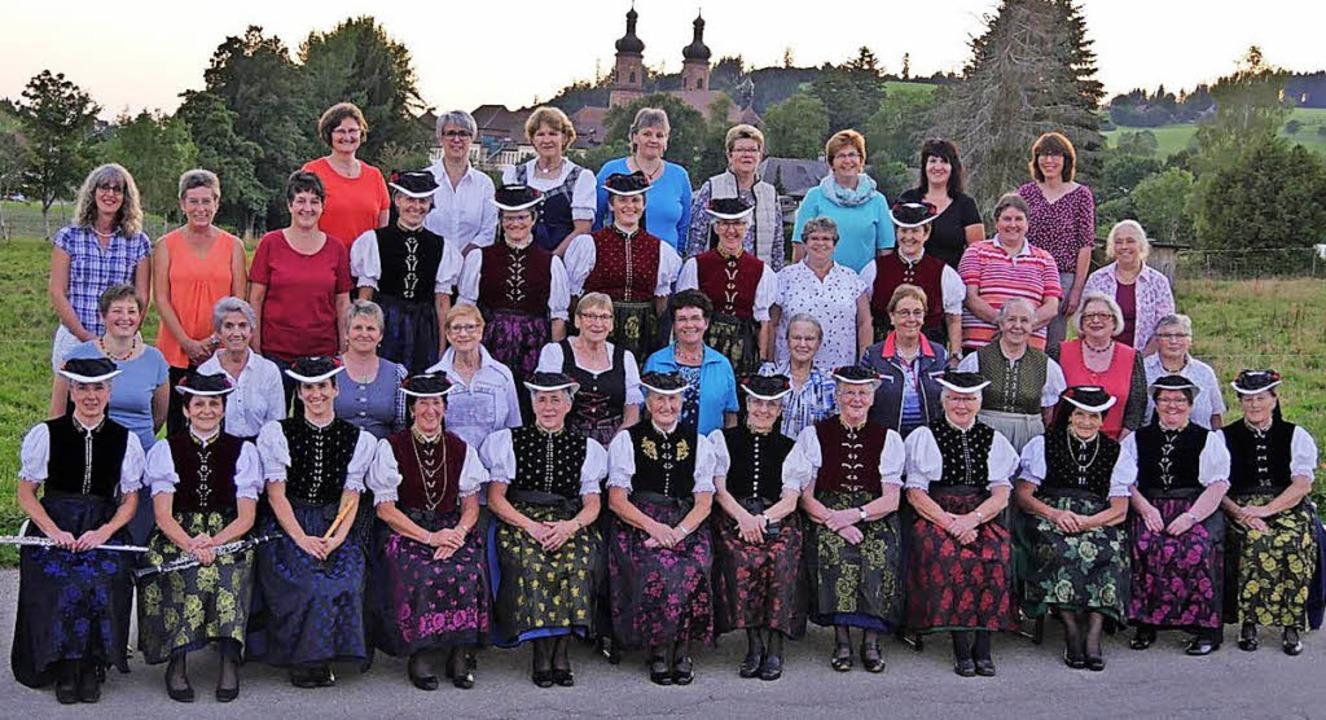 Die Ortsgruppe St. Peter der Landfrauen im Jubiläumsjahr   | Foto: Privat