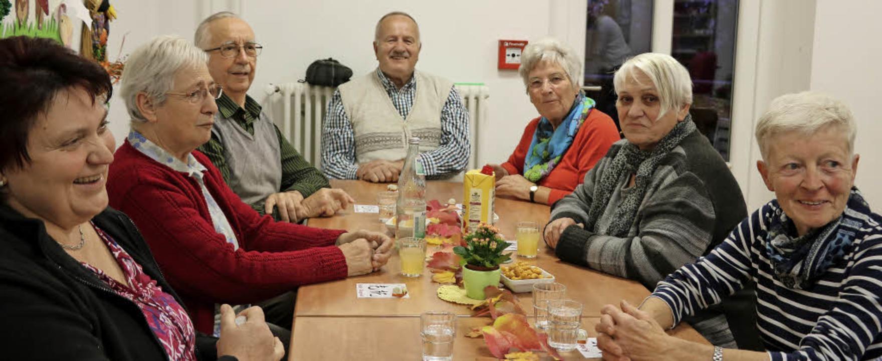 Interessante Vorträge und der Austausc...n ein Angehöriger ins Pflegeheim muss.  | Foto: Martha Weishaar