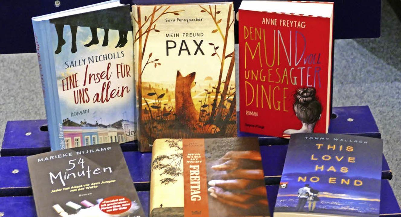 Die bunte Sammlung der Favoriten des L... für den Jugend-Literatur-Preis 2018.   | Foto: s. kürbs
