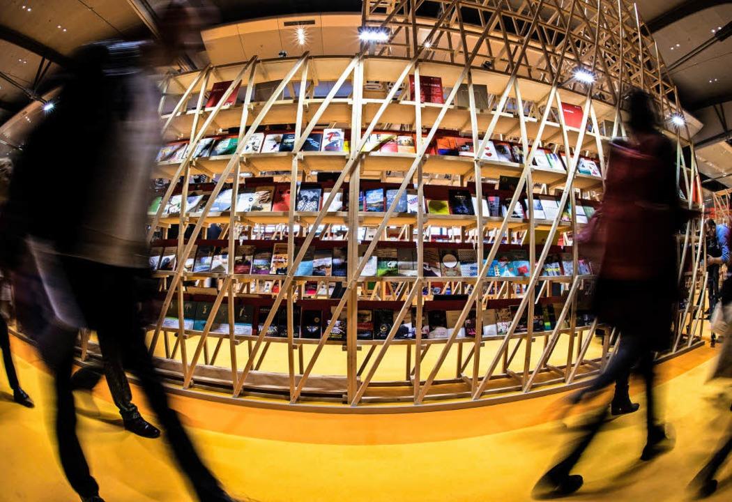 Nicht unbedingt romantisch: der Pavill...stlandes Frankreich auf der Buchmesse   | Foto: dpa