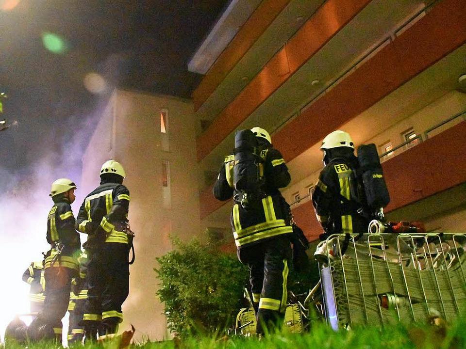 Im  Keller des Hochhaus in der Schwabenstraße brach ein Feuer aus.  | Foto: Max Schuler