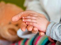 Wie kann man kranke Kinder würdig bis zum Tod begleiten?