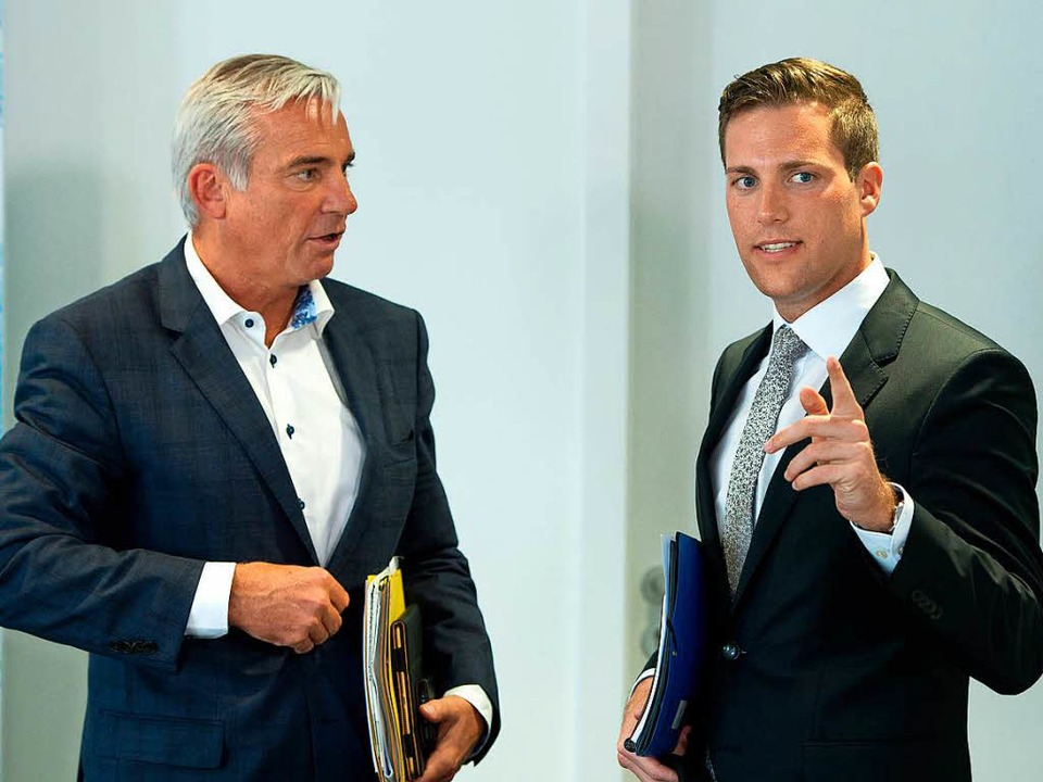 "Manuel Hagel (rechts) mahnt: ""Di...Diskurs nicht mehr stattfindet.""  | Foto: dpa"