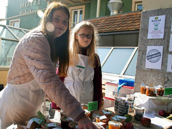 Impressionen vom Apfelmarkt in Laufenburg und der hela in der Schweizer Schwesterstadt.