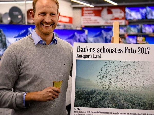 Damian Wagner mit seinem Siegerfoto. Der in Freiburg aufgewachsene BZ-Abonnent, der jetzt in Stuttgart lebt, hat es am Neujahrstag 2017 aus einem ICE heraus ausgenommen - bei Bad Bellingen.