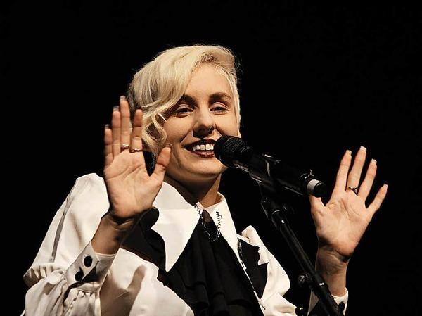 Lisa Eckhart eröffnete die Kulturwoche am Donnerstag, 5. Oktober (hier bei einem Auftritt beim Grenzenlos-Festival in Freiburg im Januar)