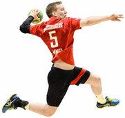 Handball vermittelt Grundlagen des Alltagslebens wie Fangen, Passen, Orientieren im freien Raum