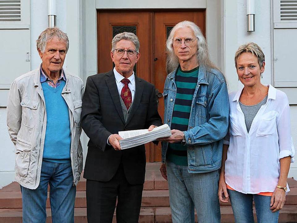 Das Lahrer Friedensforum hat gestern e...üller, Klaus Schramm und Andrea Welz.   | Foto: Christoph Breithaupt