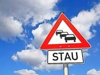 Autotransporter umgestürzt – längerer Stau auf A5