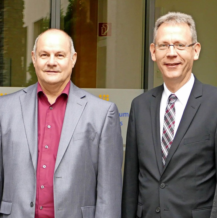 Hartmut Fricke (links) und Christoph D...Vorstand des St. Josefshauses Herten.   | Foto: Axel Kremp