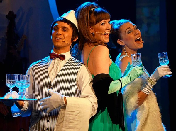 "Turbulenter Flug: Das Musical ""Happy Landing"" im Gloria-Theater"
