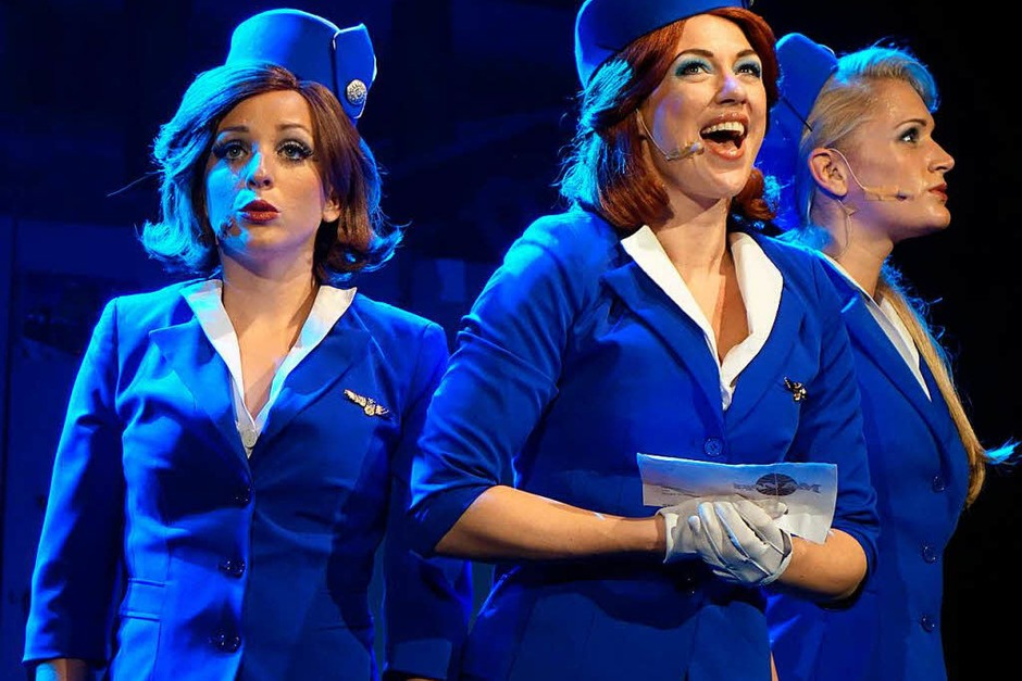 "Turbulenter Flug: Das Musical ""Happy Landing"" im Gloria-Theater (Foto: Roswitha Frey)"