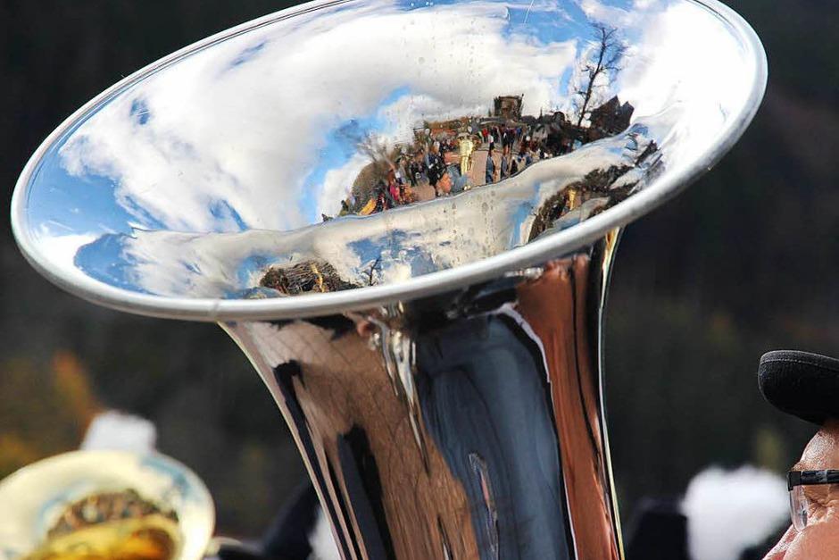 Auch blauer Himmel zeigte sich und spiegelt sich in den Instrumenten wieder. (Foto: Eva Korinth)