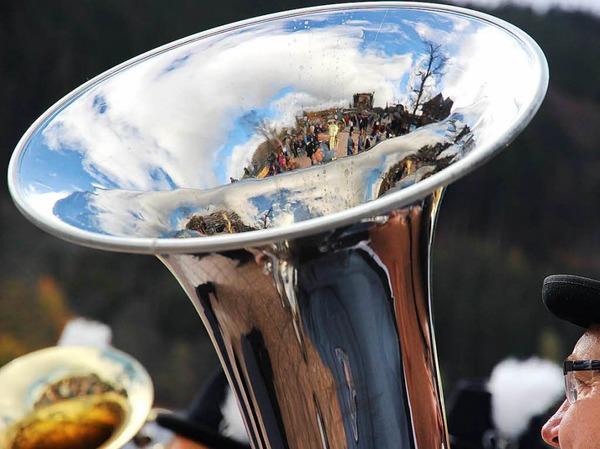 Auch blauer Himmel zeigte sich und spiegelt sich in den Instrumenten wieder.