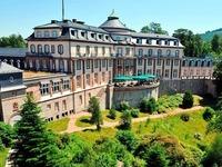 Was wird aus der Bühlerhöhe und dem Neuen Schloss?