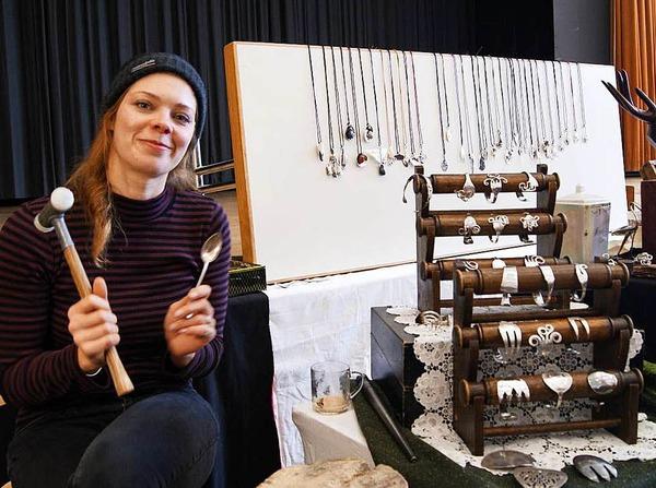 Ausstellungsstände, gespickt voll kleinen und großen Schätzen, erlebten die Besucher des Kunsthandwerkermarktes am vergangenen Wochenende in Bad Säckingen.