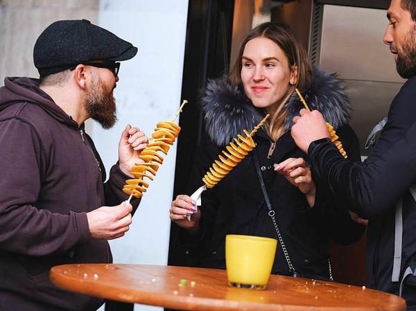 Genuss ohne Ende beim Foodtruck-Fest auf der KaJo in Freiburg.