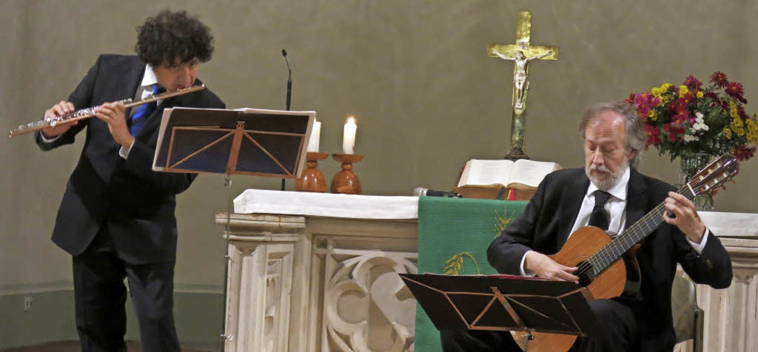 Das Duo Mendieta-Orlandini in der Evangelischen Kirche Köndringen  | Foto: Georg Voß