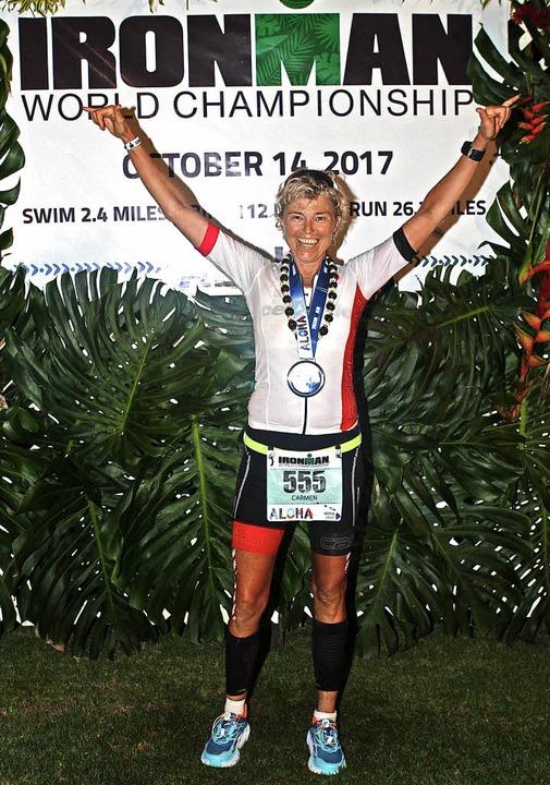 Carmen Grosse nach ihrem Sieg beim Ironman auf Hawaii  | Foto: Privat
