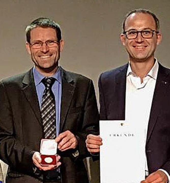 Marco Köninger (rechts) und Alexander Spinner (Winzerkeller Hex vom Dasenstein)   | Foto: privat/hrö