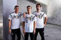 Fußball-Nationalmannschaft stellt WM-Trikot vor