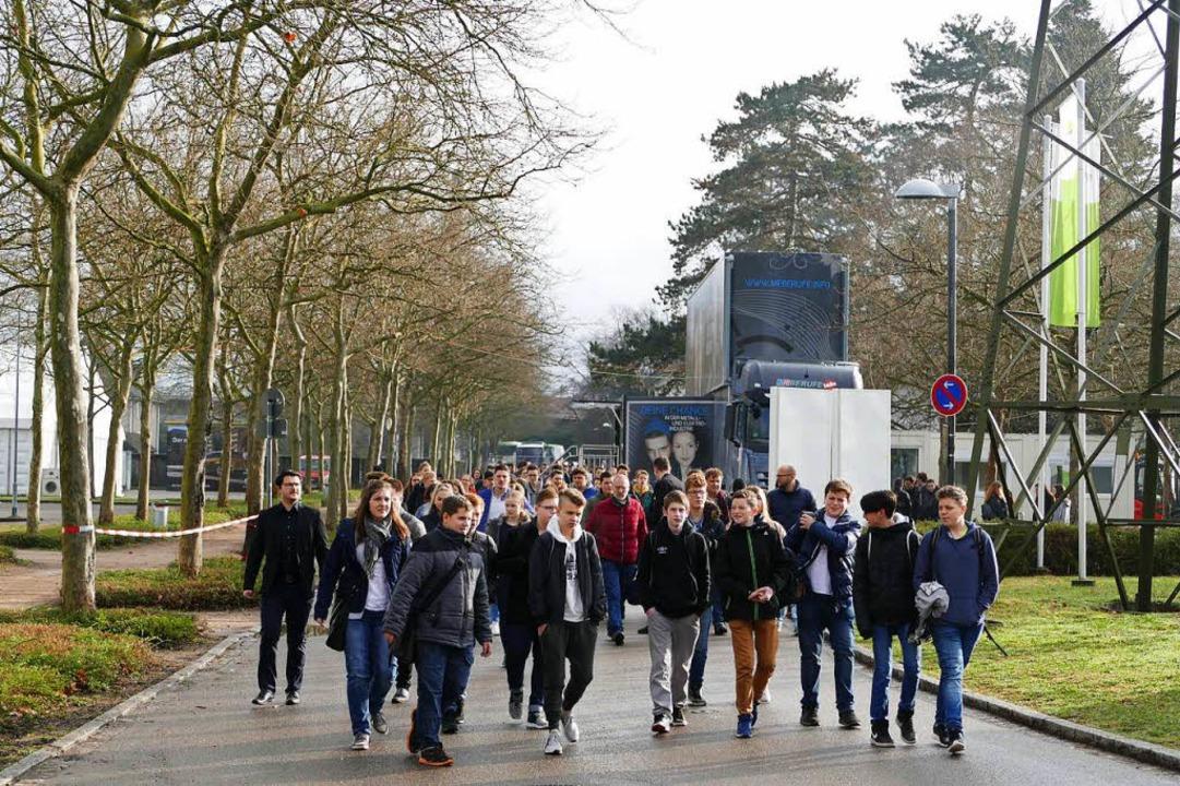 Bei Unternehmen heiß begehrt: Schüler auf dem Weg zur Jobmesse.  | Foto: Peter Gerigk