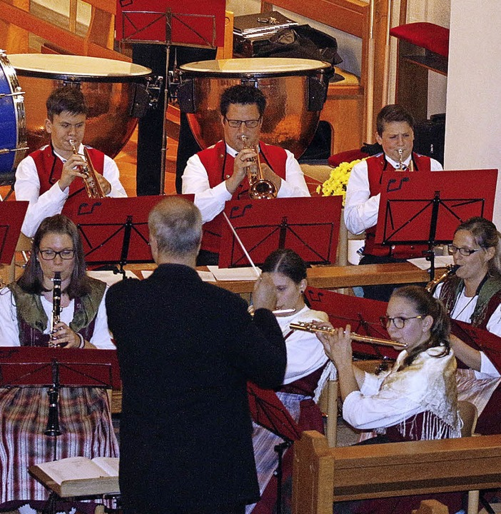 Auch getragene, moderne Melodien beherrschten die Kapelle.      Foto: Heidi Fössel