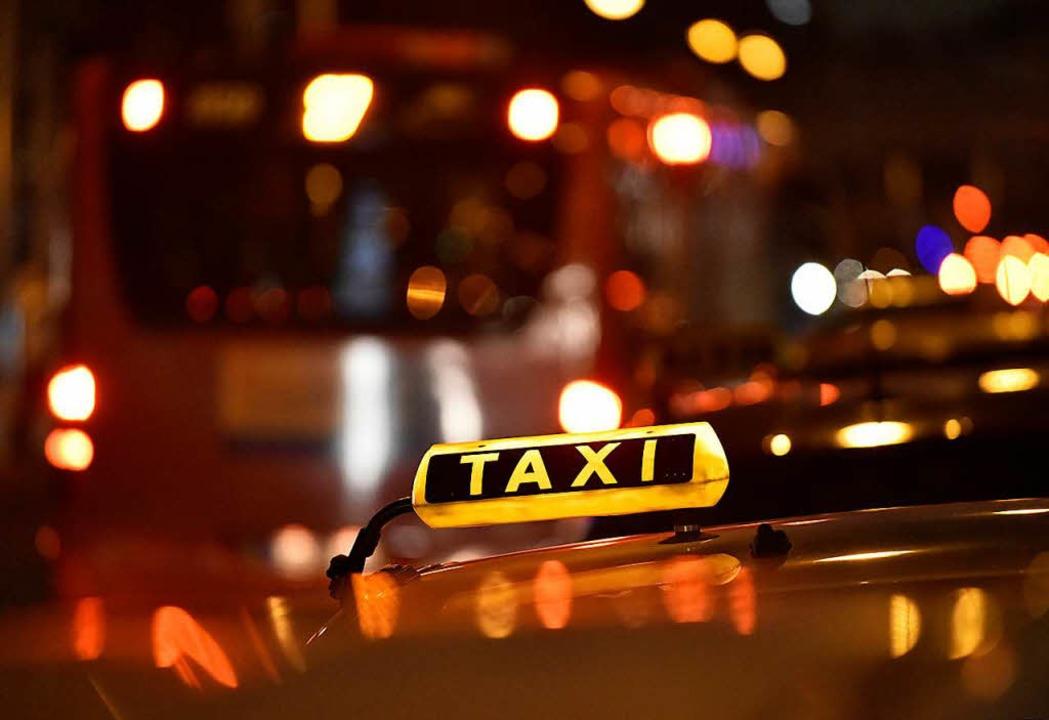 Das Taxi bietet nachts mehr Sicherheit.   | Foto: Michael Bamberger