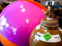 Warum wird die Stimme höher, wenn man Helium schluckt?