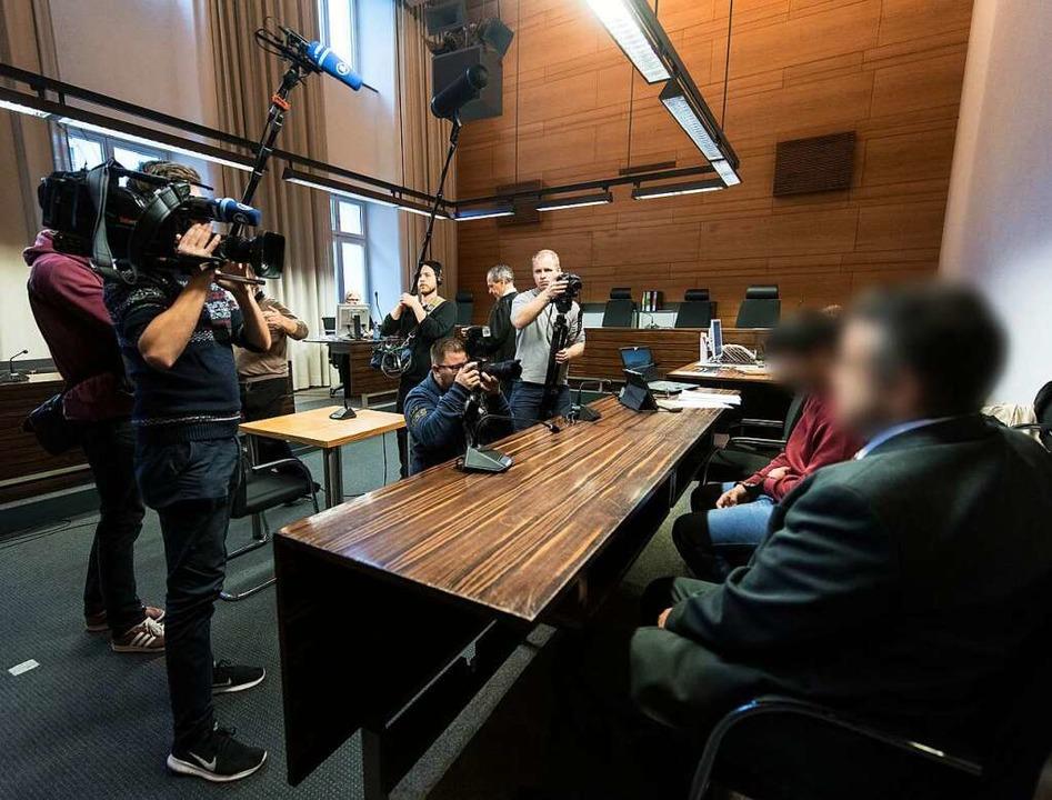 Hussein K. am Dienstag vor Prozessbegi...iburg im Mordfall Maria L. verhandelt.  | Foto: dpa