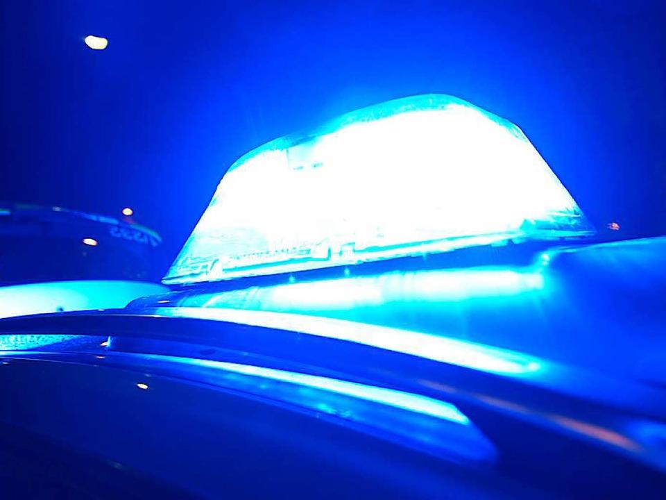 Die Polizei musste am Mittwochabend we...und Bottingen ausrücken  (Symbolbild).  | Foto: dpa