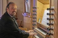 Cornelius Holdermann spielt in der Wehrer Pfarrkirche St. Martin