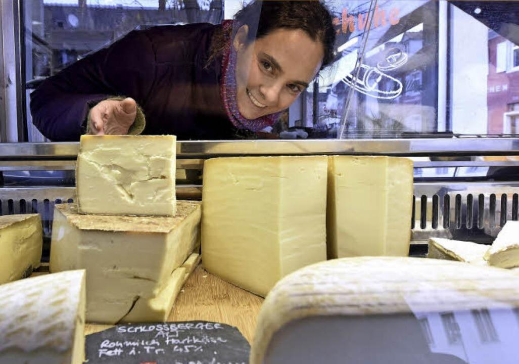Anne Jungermann ist fasziniert von Käs...Ebnet und  hat immer viel Honig parat.    Foto: Thomas Kunz
