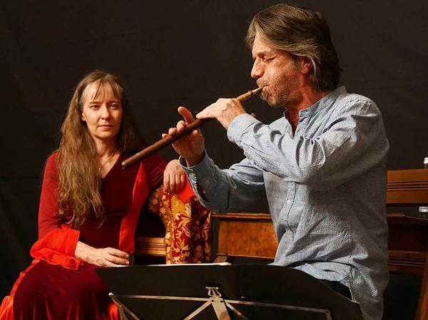Peter Rabanser und Frau Wolle unterhielten beim Erzählabend im Trompeterschloss das Publikum aufs Beste.