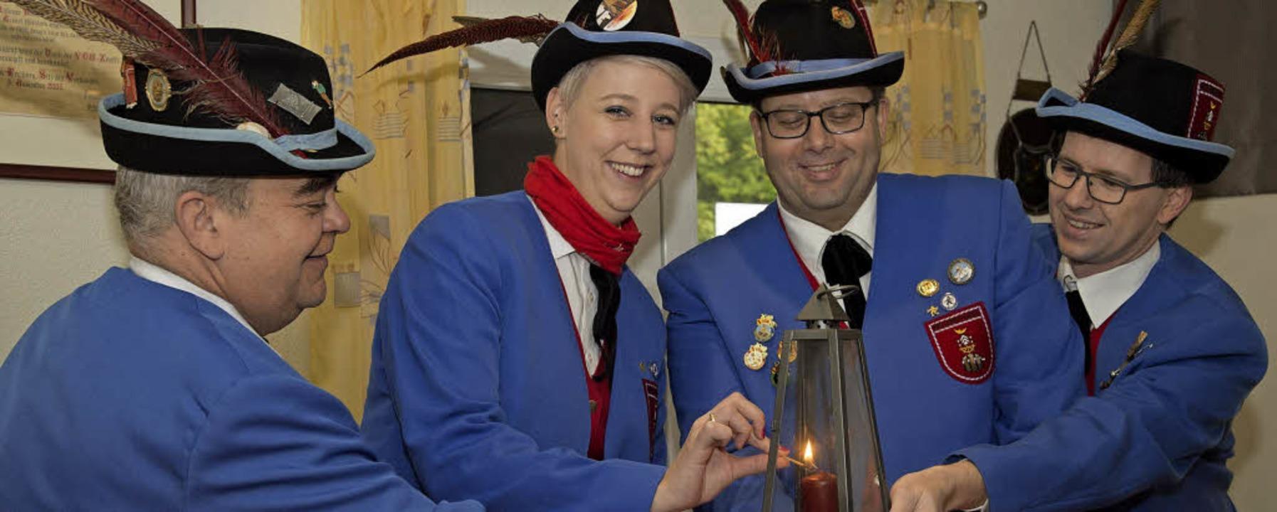 Fasnachtsauftakt in Müllheim: Die Ober...arle, entzündet die närrische Flamme.   | Foto: Volker Münch