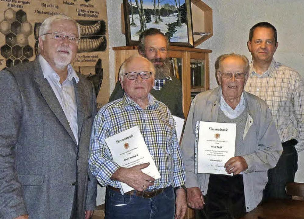 Klaus Schmieder, Präsident des Landesv...tzendem Martin Homburger (von links).   | Foto: privat