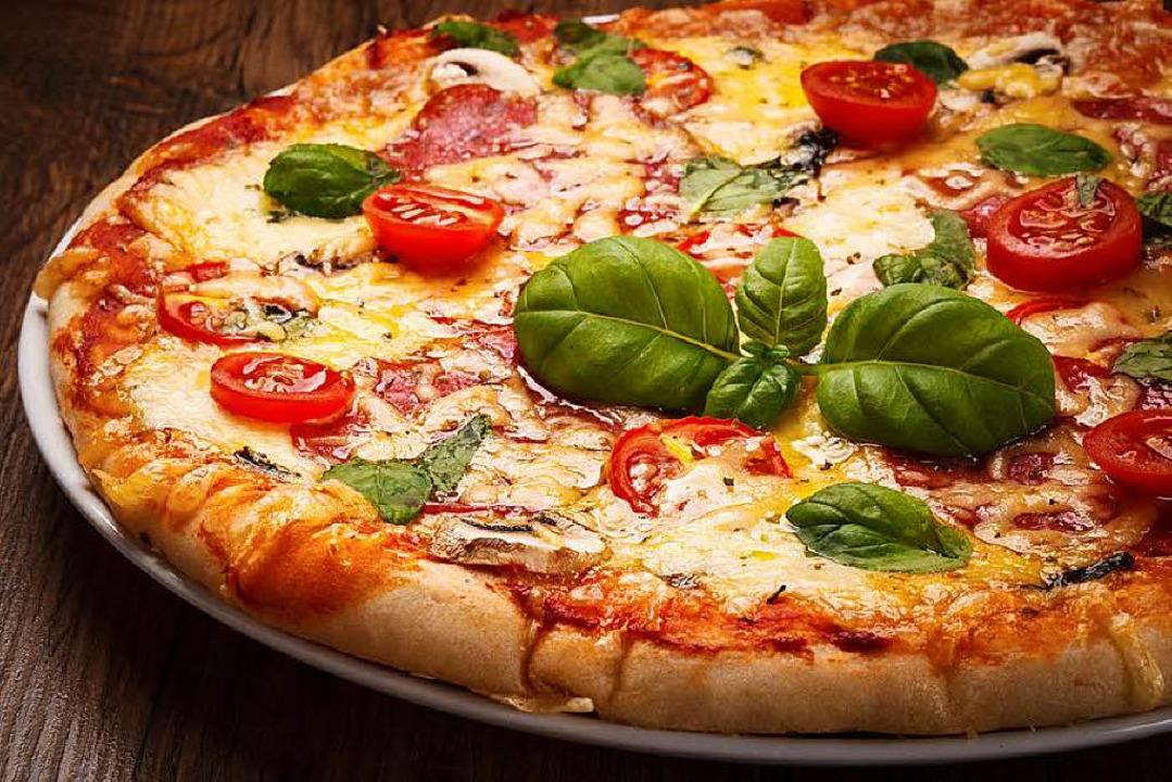 Ganz so lecker sah die Pizza, die am S...uerwehreinsatz führte, nicht mehr aus.  | Foto: Jacek Chabraszewski - Fotolia
