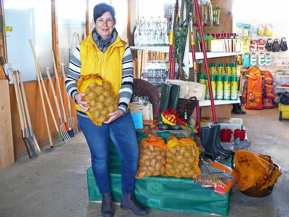 Auch im  Lagerhaus in Ewattingen gibt&...n, hier präsentiert von Susi Rothmund.  | Foto: Marianne Rittner