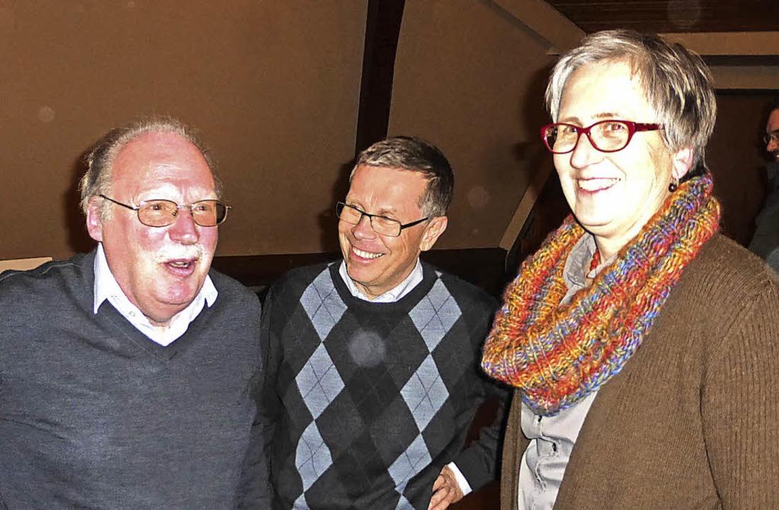 Über den Vortrag von  Ulrich Ruh freut...n Barbara Müller-Gärtner (von links).   | Foto: Roland Gutjahr