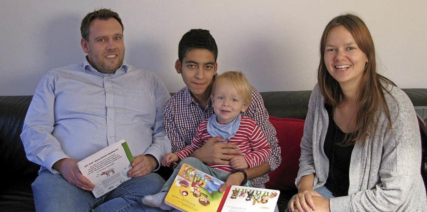 Der kleine Bruno ist immer ganz begeis...us seinen Lieblingsbüchern vorliest.    | Foto: Indes Biedenkapp