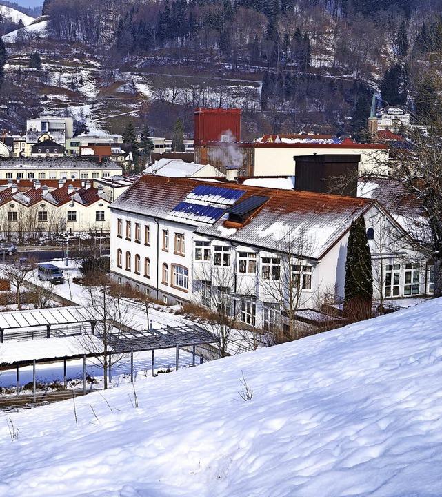 Die Wohnanlage Wiesental ist im ehemaligen Zeller Krankenhaus untergebracht.   | Foto: Archivfoto: Silke Hartenstein