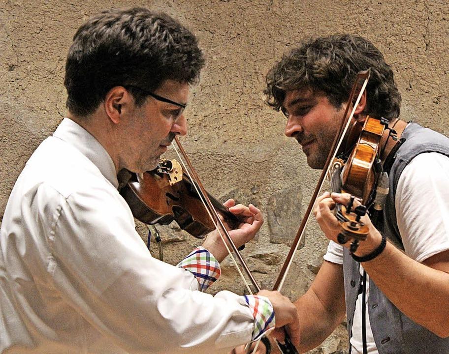 Was hier wie ein Fechtduell zwischen M...l zweier Könner aus zwei Musikwelten.   | Foto: Erich Krieger