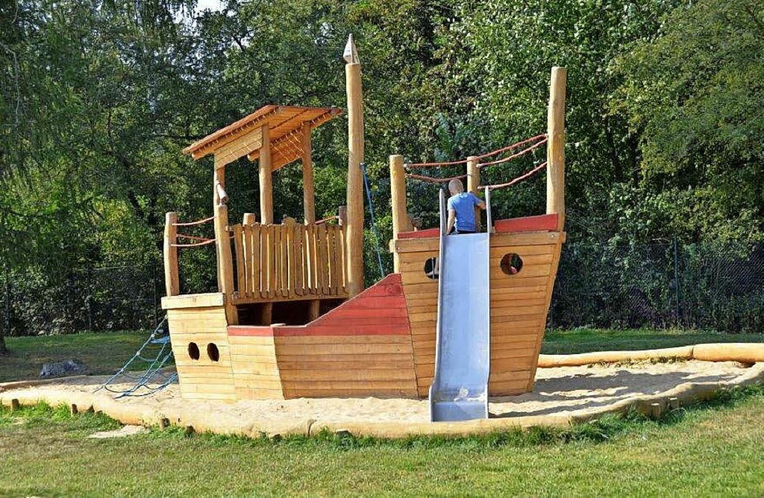 Ein Spielschiff  der  Firma SIK-Holz w...nfläche des neuen Kindergartens sein.   | Foto: SIK-Holz