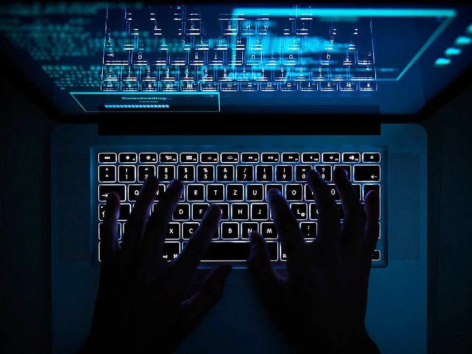 Übers Darknet (Symbolbild) soll sich d...mt 23 Kilo Amphetamin besorgt haben.    | Foto: dpa