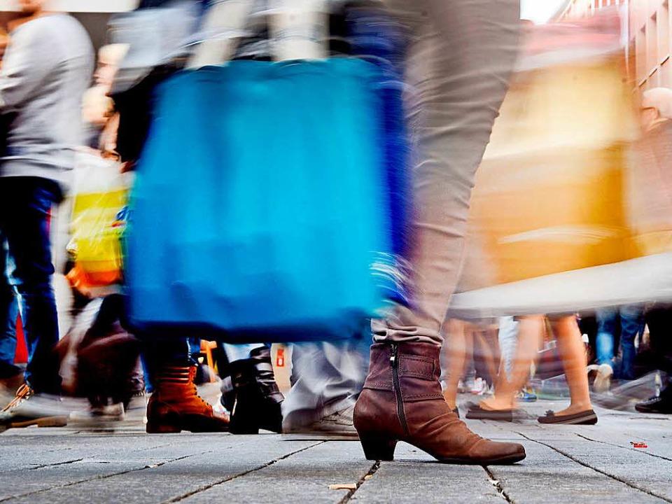 Der Einzelhandel in den Innenstädten w...verändern, sagt Experte Michael Reink.  | Foto: dpa