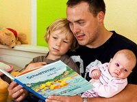 """""""Vom Vorlesen profitieren auch schon ganz kleine Kinder"""""""
