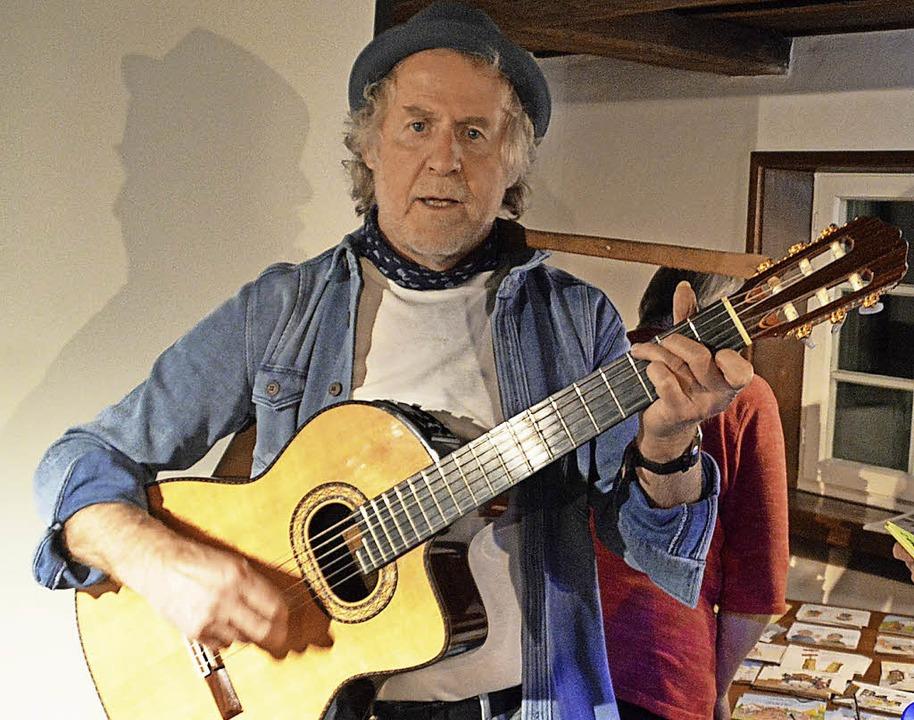 Auftritt des Cartoonisten Bert Kohl in Hausen  | Foto: Edgar Steinfelder