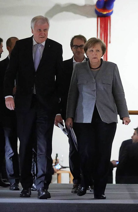 Kanzlerin Angela Merkel  und CSU-Parte...etung von Baden-Württemberg in Berlin.  | Foto: dpa